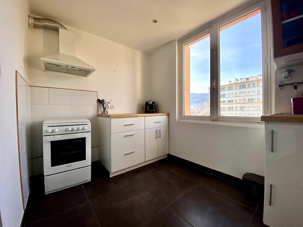 Appartement T4  - 66m² - Grenoble 7/15